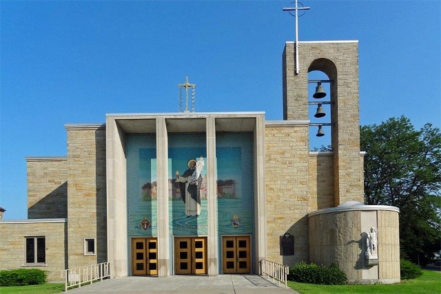 The St. Hyacinth Church is located on Lake Shore Drive East in Dunkirk, New York.